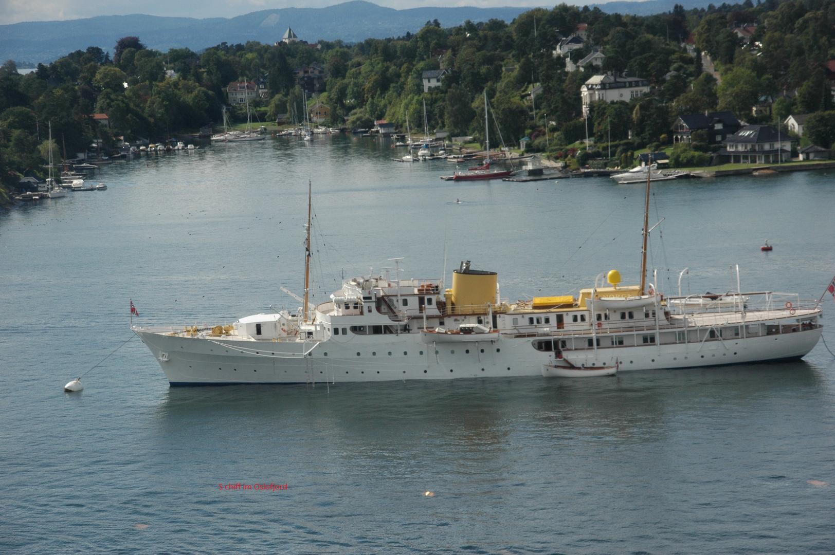 Norwegische königliche Staatsyacht im Oslofjord