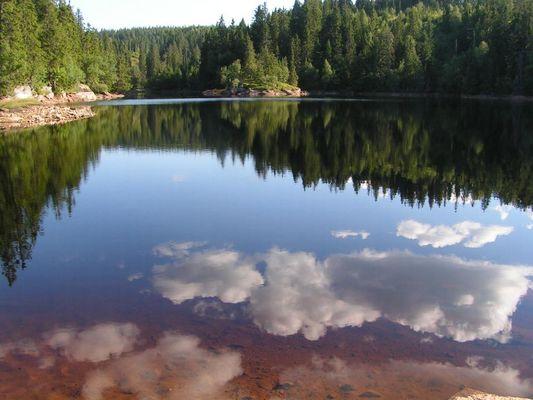 Norwegischer Bergsee