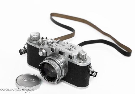 "Nostalgia - ""Leica III C"" tendina rossa."