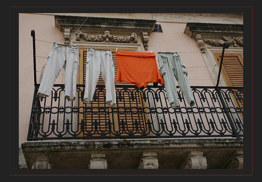 Noto SC das orange T- Shirt