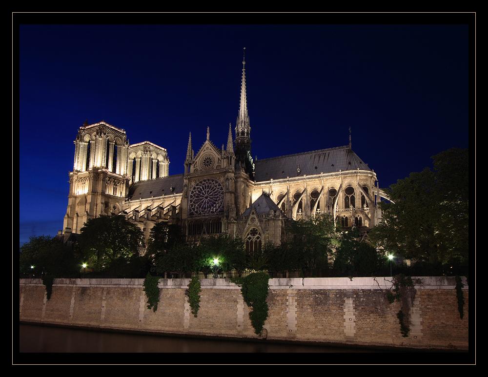 .Notre-Dame de Paris.