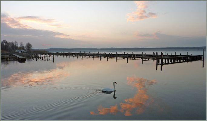 November-Abend am Zierker See in Neustrelitz