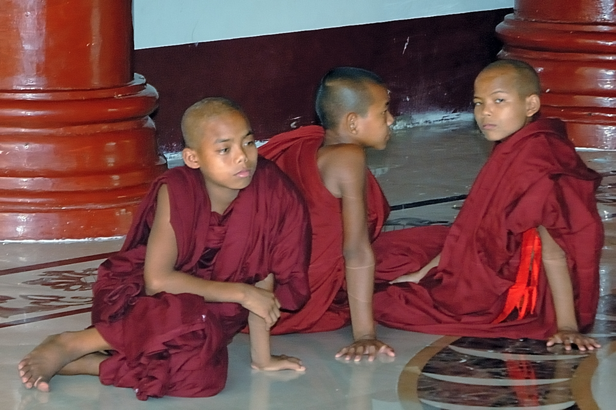 Novices in the Shwedagon complex