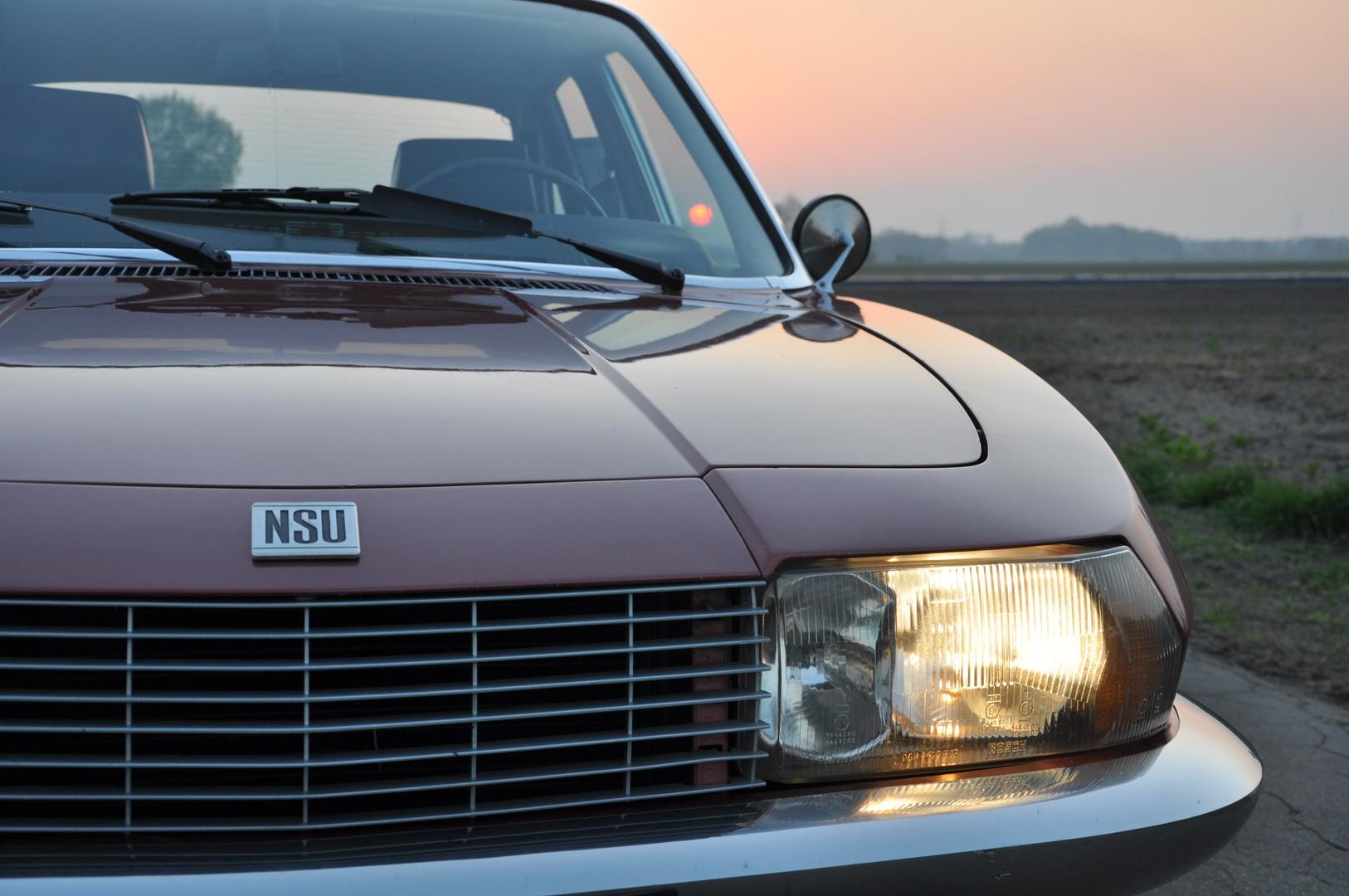NSU Ro 80 in der Abendsonne