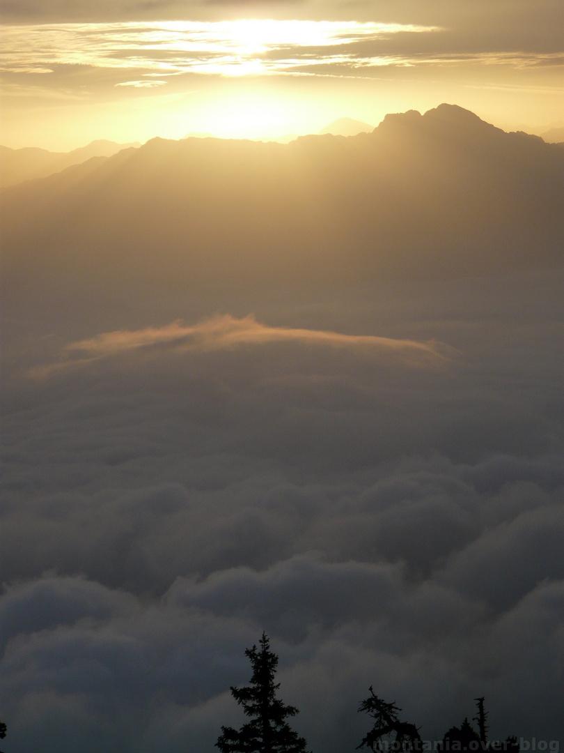 nuage de lever de soleil