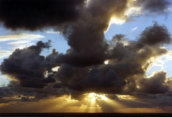 nuages cachés