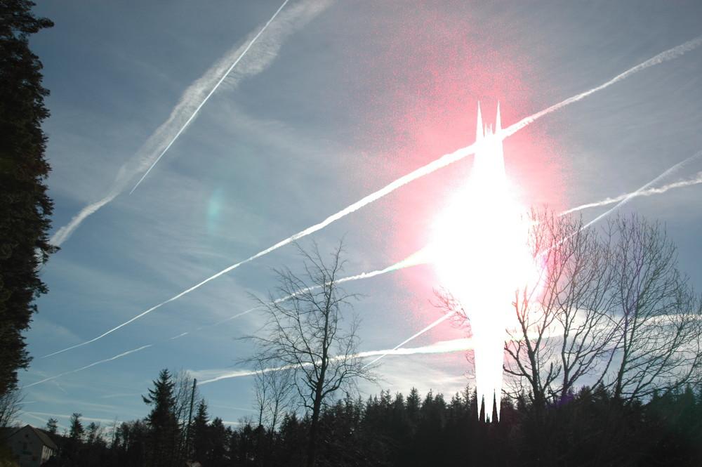 Nuages d'avions et soleil une rencontre bizarre?