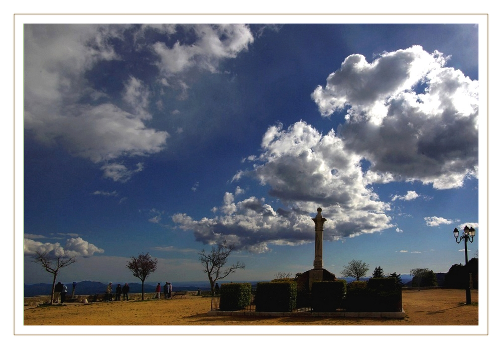 nuages sur Mons