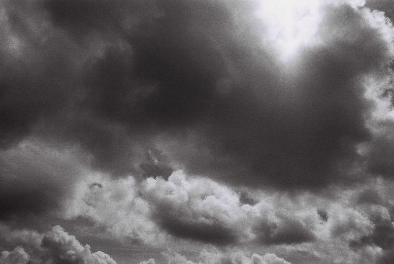 nuageux