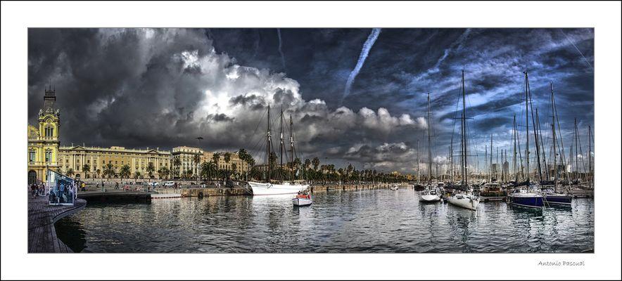 Nubes sobre el puerto