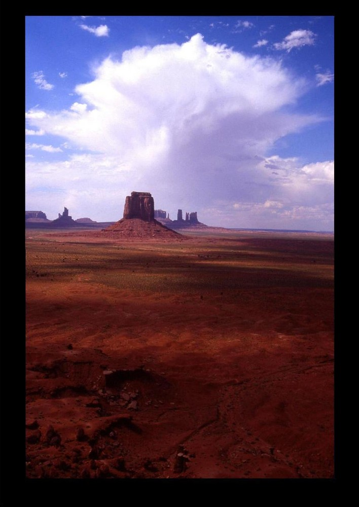 nuclear - Monument Valley -