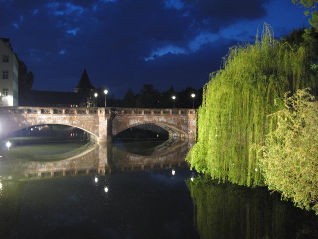 Nürnberg bei Nacht / vom Henkersteg aus