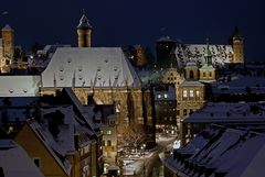 Nürnberg im Schnee am Abend