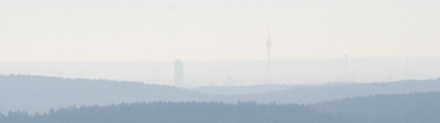 Nürnberg-Silhouette von 20-25 km Entfernung