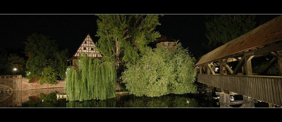 Nürnberger Henkersteg bei Nacht