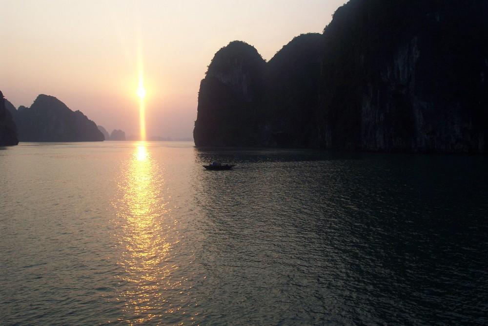 nuit sur la baie d'Halong