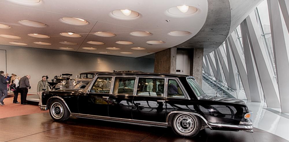 Nun steht Konrad Adenauer's 600er wohlbehalten im Museum