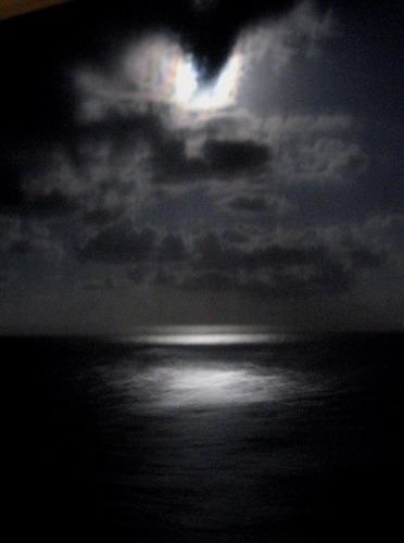 Nur der Mond schaut zu.....