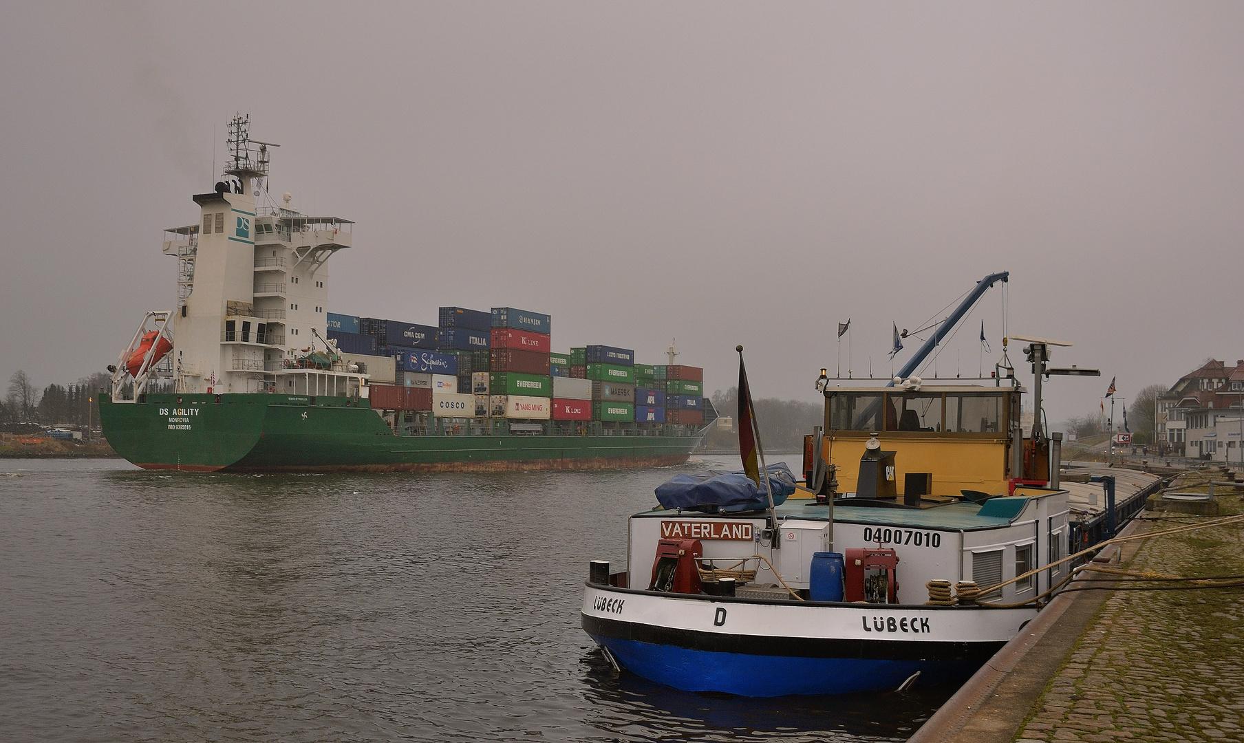 Nur die Schiffe brachten heute ein wenig Farbe an den Tag 2