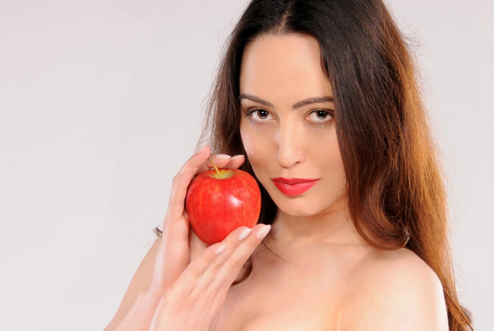 nur ein Apfel, mehr nicht .................
