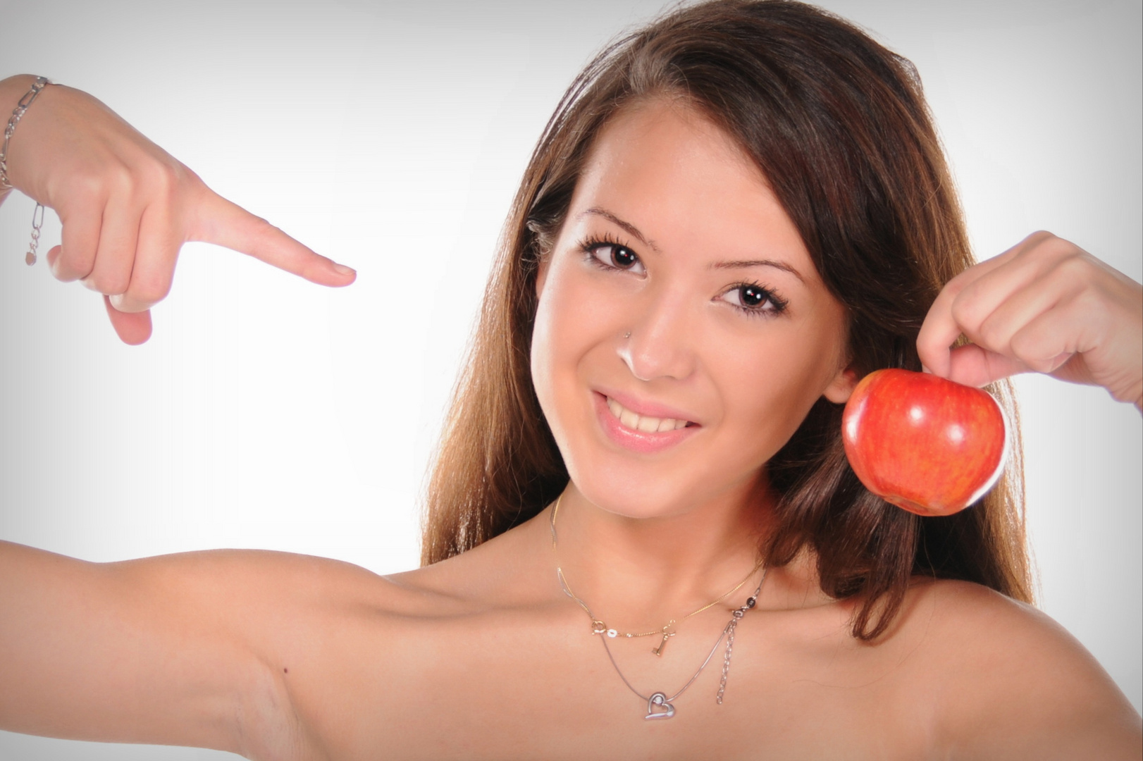 nur ein Apfel....... wirklich, hier gibt es nicht mehr zu sehen ... :-D