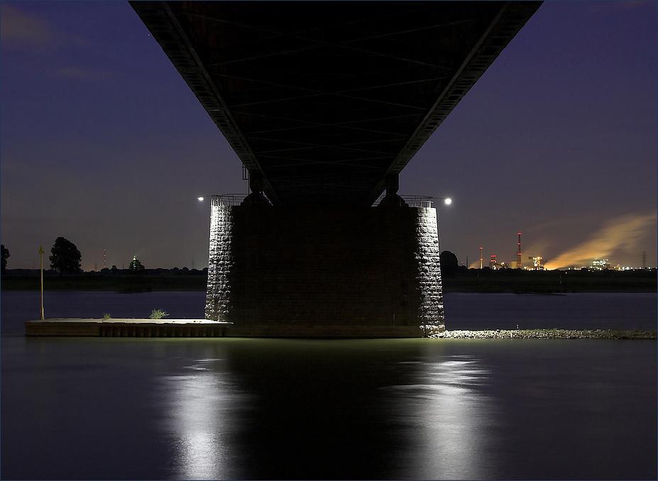nur eine Brücke