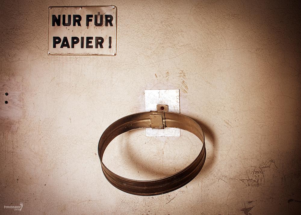 #Nur Für Papier#