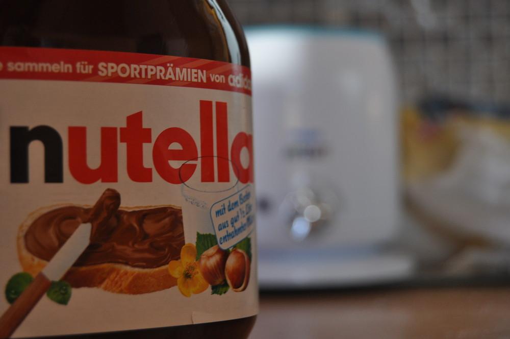 Nutella aufs Brot