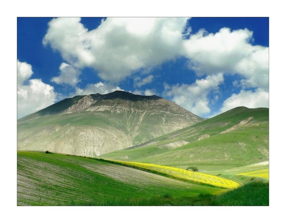 Nuvole basse sul Monte Vettore