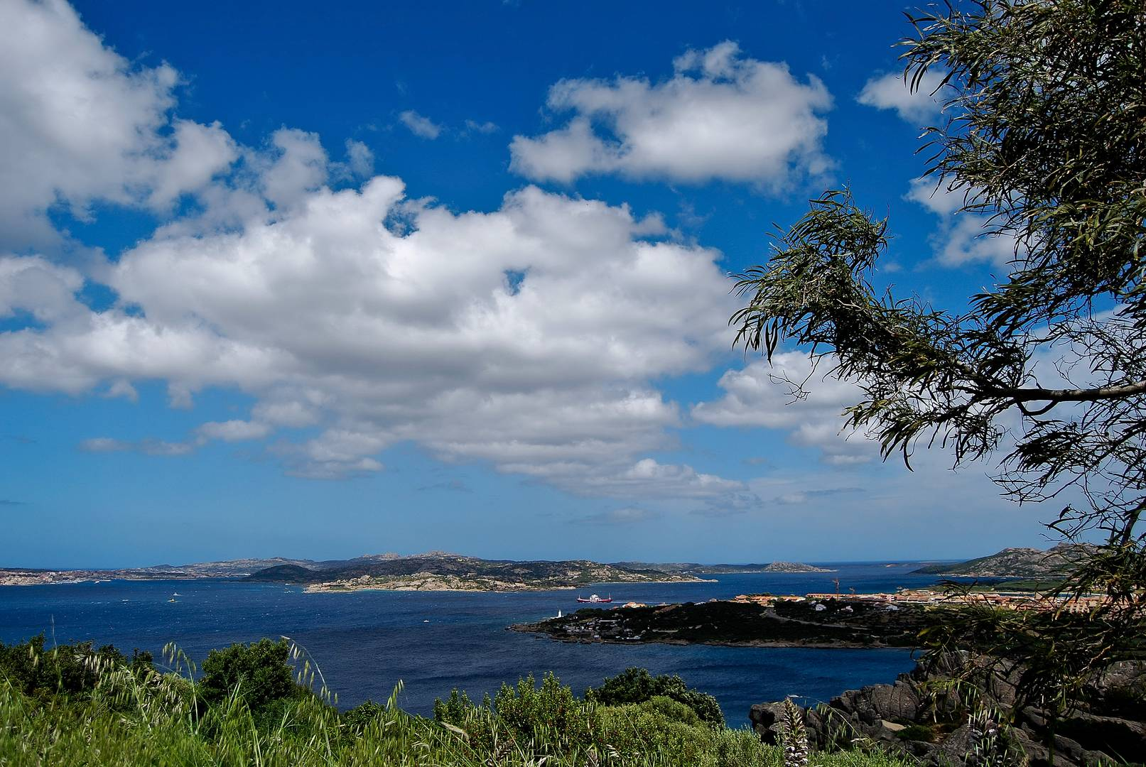 Nuvole sull'arcipelago