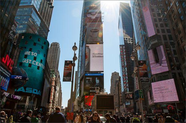 N.Y. [104] - Times Square