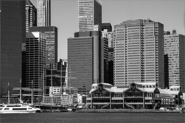 N.Y. [124] - Pier 17