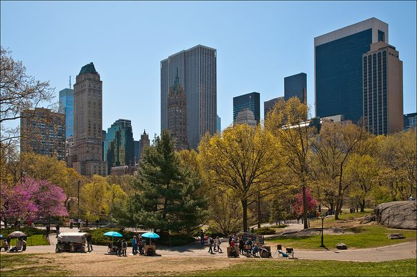 N.Y. [92] - Central Park South End