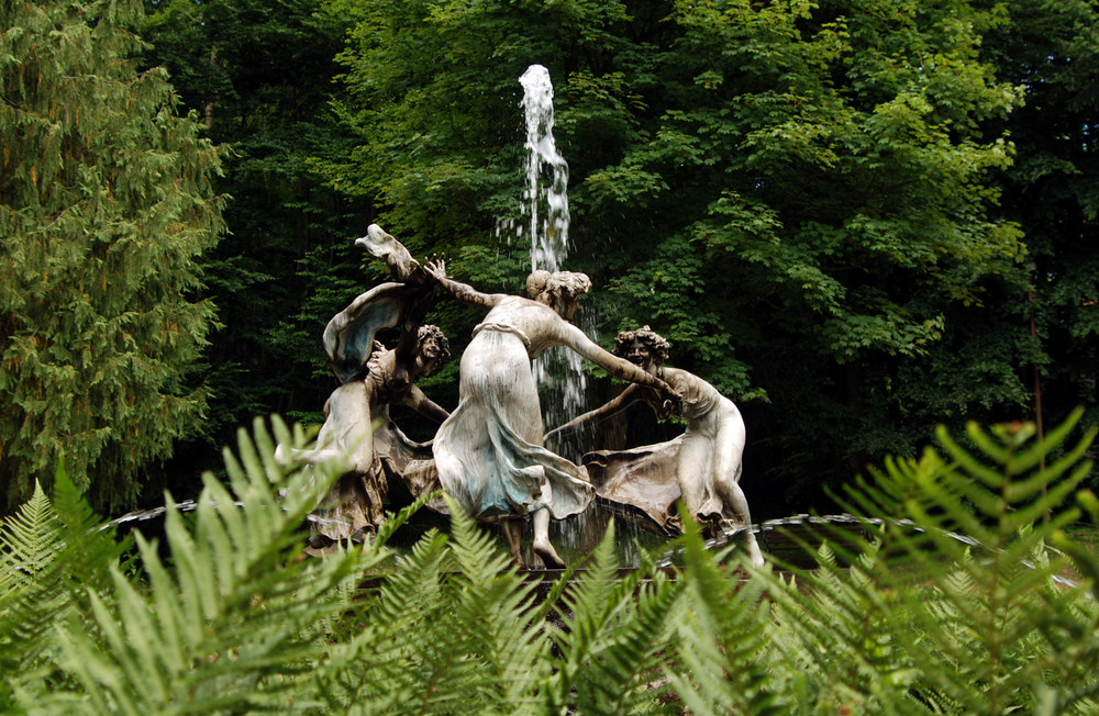 Nymphenbrunnen im Schlosspark der Burg Schlitz