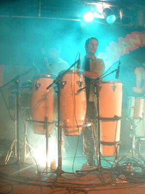 O percussionista Ronaldo da Banda de Bali, Ilhéus, Bahia