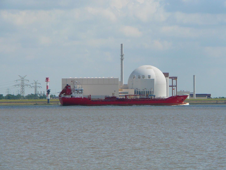 ob das Kernkraftwerk wohl in das Schiff passt ?