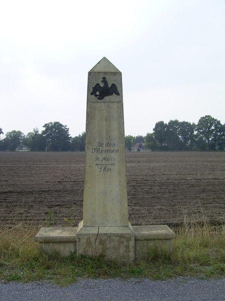 Obelisk bei Bad Waldliesborn