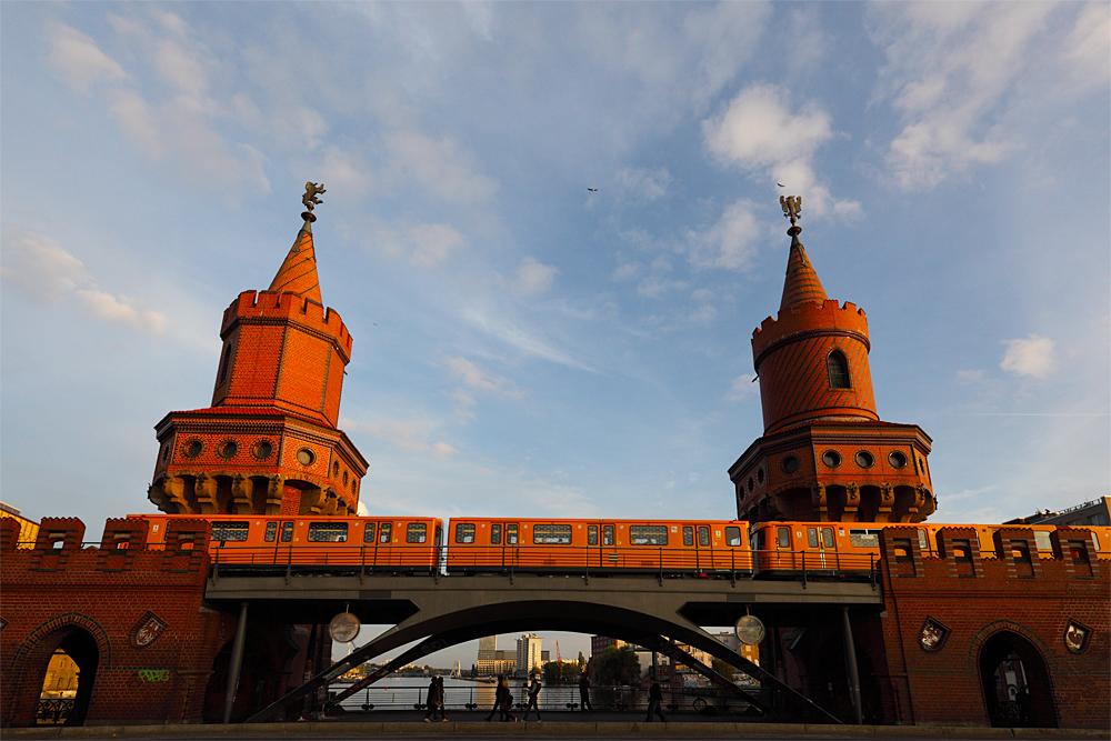 .... Oberbaumbrücke ...