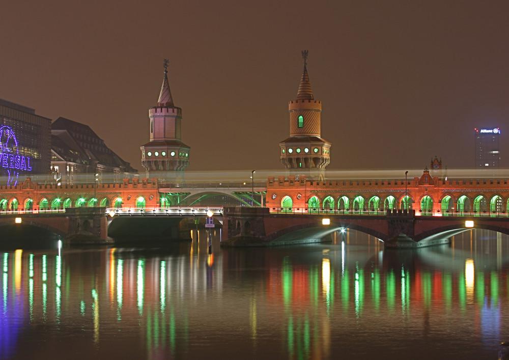 Oberbaumbrücke beim Festival of Light Berlin