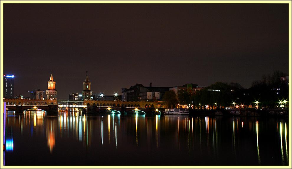 Oberbaumbrücke illuminiert
