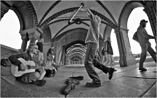 Oberbaumbrücke. With Rap from Poland.