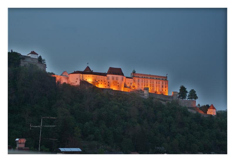 Oberhaus Passau in der Dämmerung