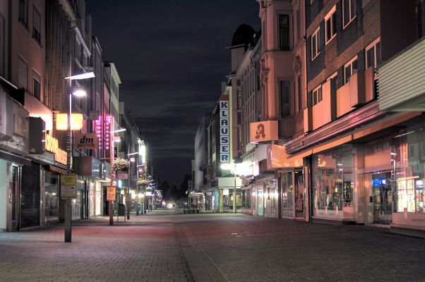 Oberhausen Marktstrasse bei Nacht