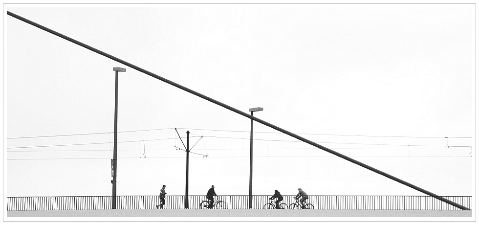 Oberkasseler Brücke...