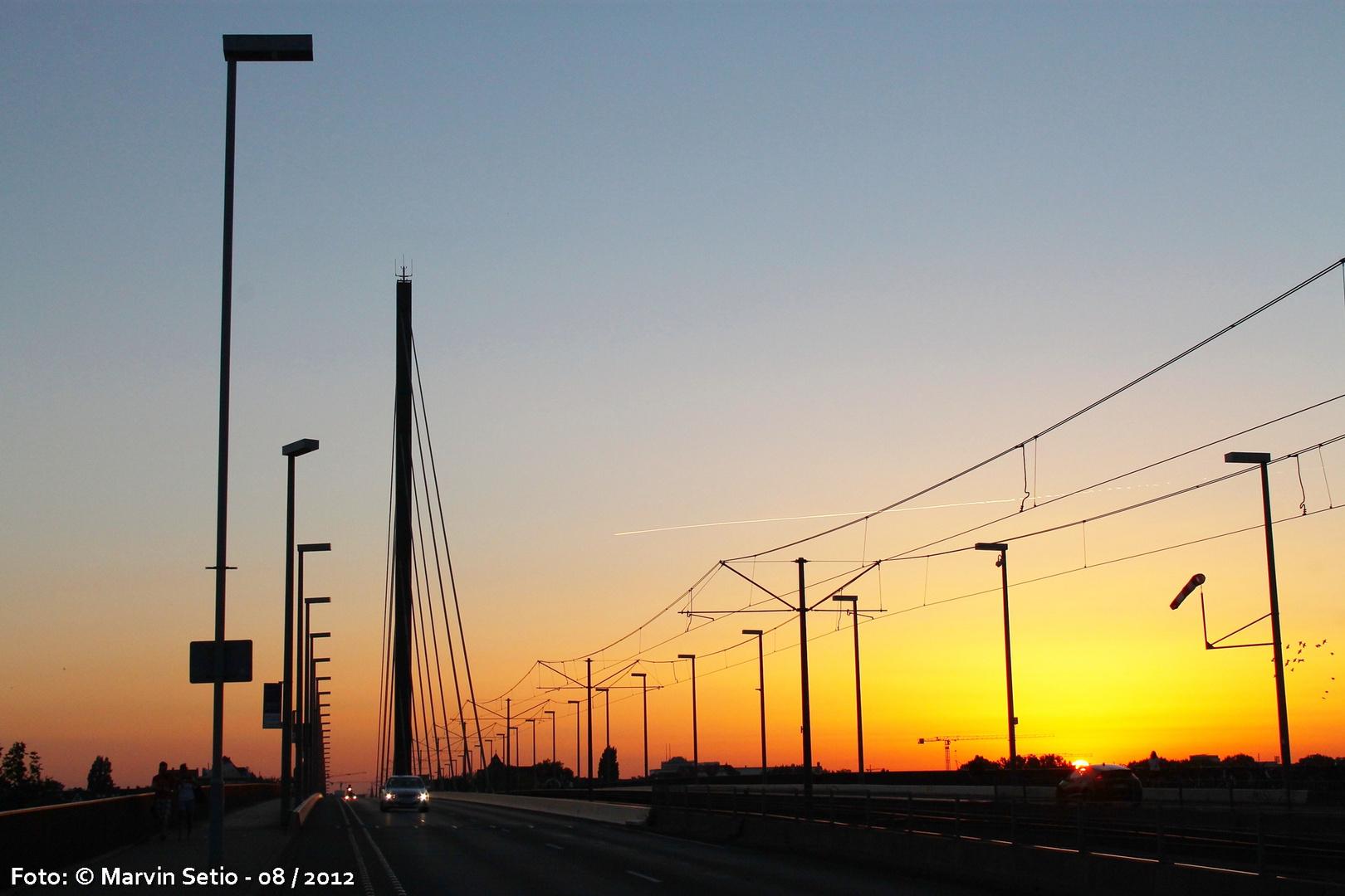 Oberkasseler Brücke & Sonnenuntergang
