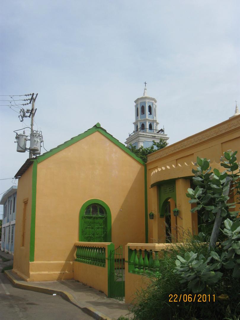 Observando la iglesia la iglesia