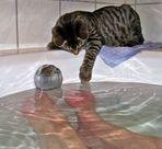obwohl noch kein Samstag , geht Felix mit Mama baden