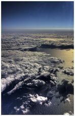 Océan Atlantique à 11000 mètres. (à travers le hublo bien sùr :-) )