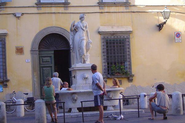 Öffentliche Badeanstalt in Italien
