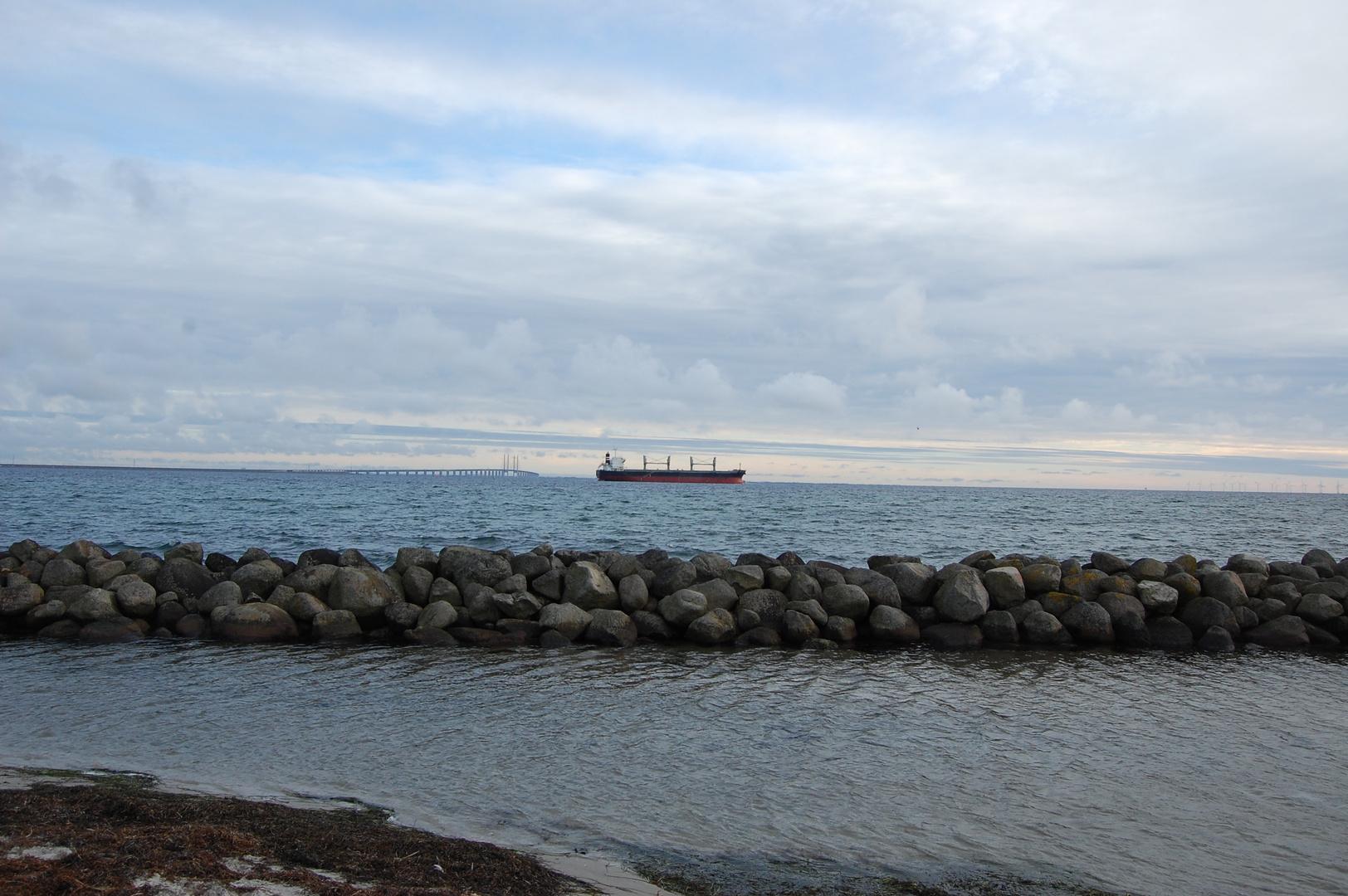 Öresündbrücke and Tanker